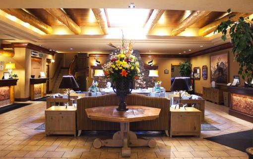 Banff Caribou Lodge & Spa Lobby
